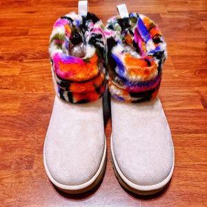 NWOB UGG Motlee multicolored fur boots sz 9